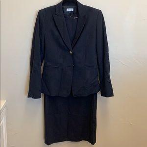 Tahari Navy pinstripe 3 piece suit set dress suit